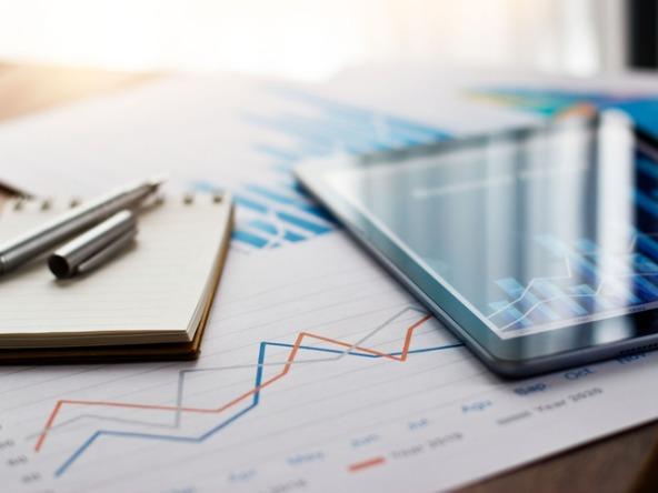 Business_data_finance_financial_money_crop